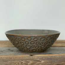 Load image into Gallery viewer, SLATE LINDA SERVING BOWL WITH CIRCLES