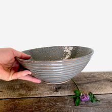 Load image into Gallery viewer, SLATE LINDA SERVING BOWL IN WAVE