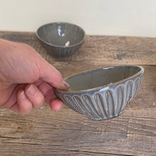 Load image into Gallery viewer, SLATE SMALL EVERYDAY BOWL WITH STRIPES