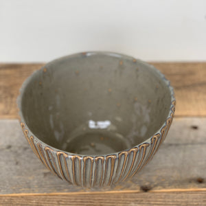 SLATE TALI SERVING BOWL WITH STRIPES