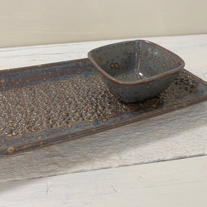 SLATE SMALL RECTANGLE PLATTER SET IN PEBBLE