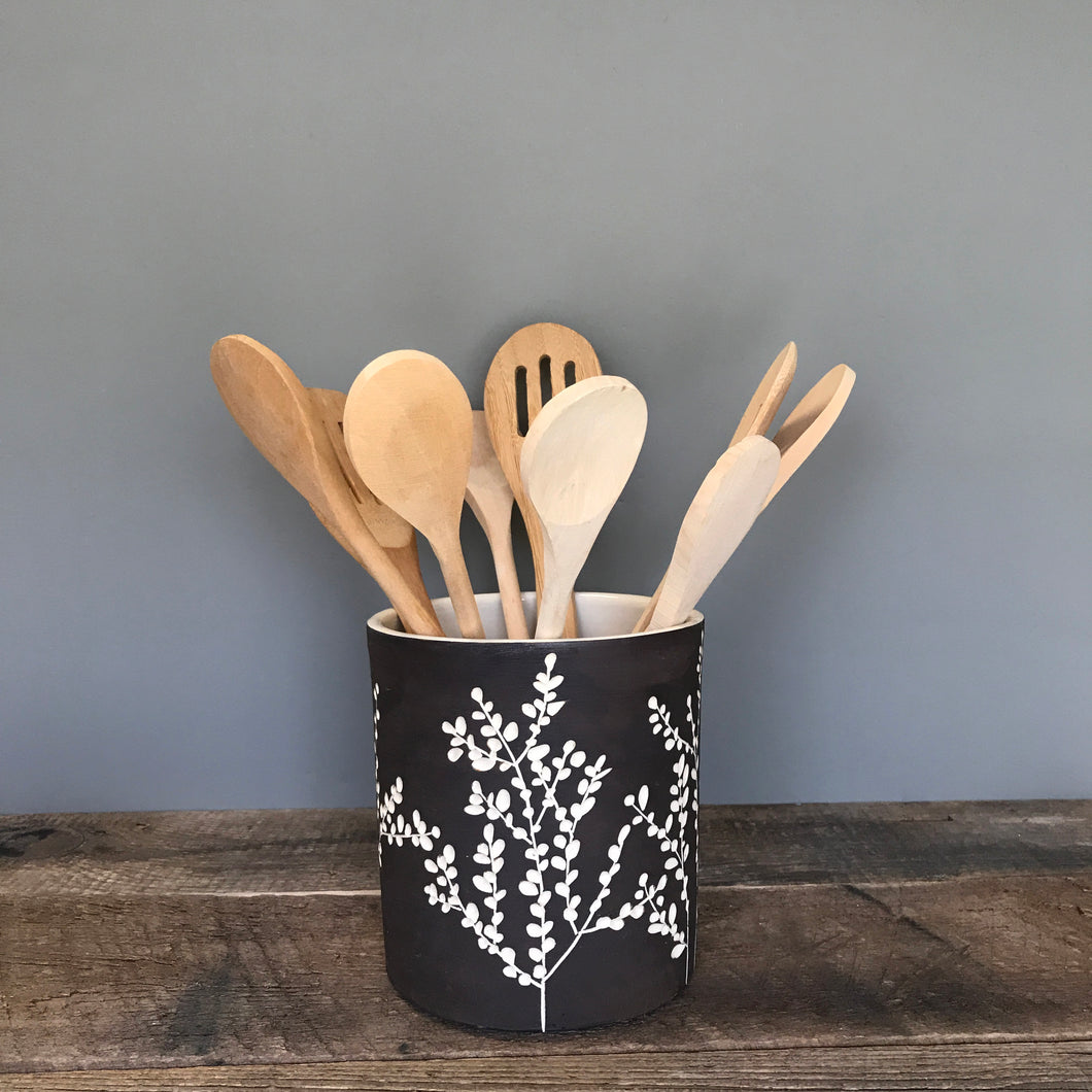 BOTANICAL CARVED UTENSIL HOLDER