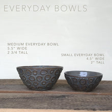 Load image into Gallery viewer, SLATE SMALL EVERYDAY BOWLS WITH CARVED WOOD GRAIN