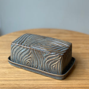 SLATE BUTTER DISH WITH CARVED WOOD GRAIN