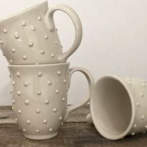 IVORY MUG 15 OUNCES WITH DOTS