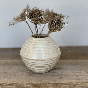OATMEAL AVIA VASE WITH WAVES