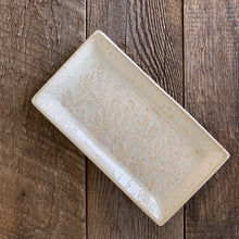"Load image into Gallery viewer, OATMEAL SMALL RECTANGLE PLATTER SET WITH FERNS (5.5"" x 11"")"