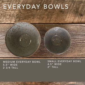 SLATE SMALL EVERYDAY BOWLS WITH CARVED WOOD GRAIN