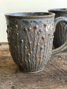 SLATE MUG WITH PUSSY WILLOWS - 15 OUNCES