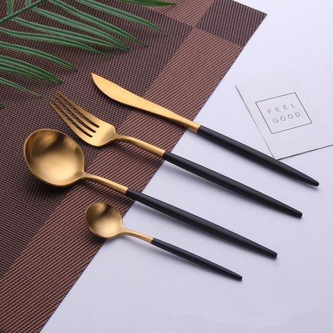 Uniq Flatware Set - 4 Piece set