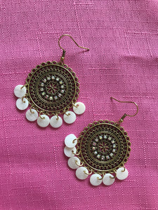 Round Detail Earrings