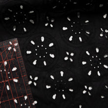 Load image into Gallery viewer, Broderie anglaise - Circles black 0.5m