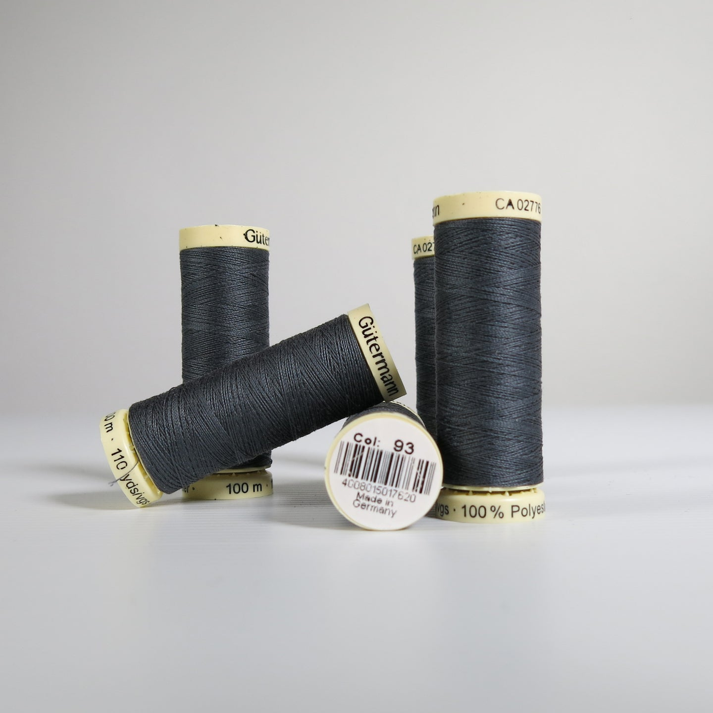 Gütermann polyester thread - 93 (100m)
