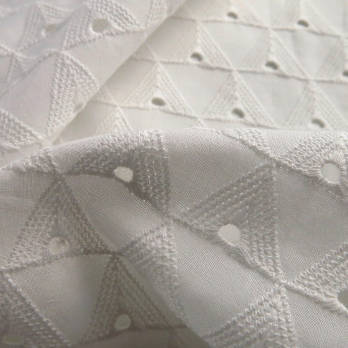 White broderie anglaise - geometric 0.5m