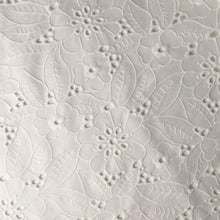 Load image into Gallery viewer, Broderie anglaise - floral white 0.5m