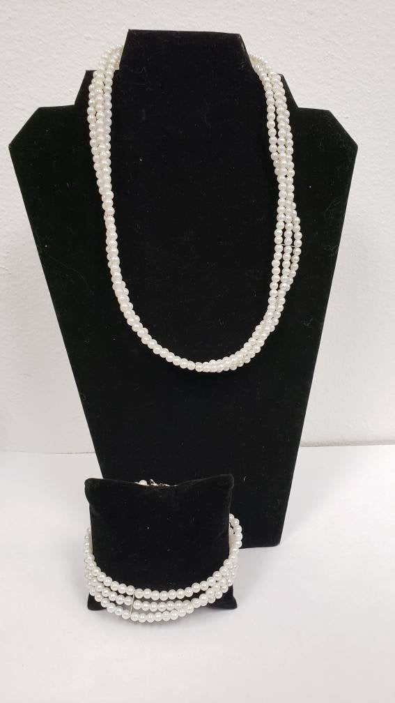 Three Strand Pearl Necklace Set