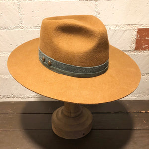 Karmativity Design Wide-Brim Hat - Tan w/Green Band (Size L)