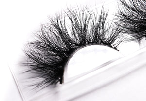 """Lavish"" 25mm Mink Lash"