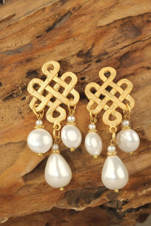 Dangle Drop Stud earrings with pearl decorations