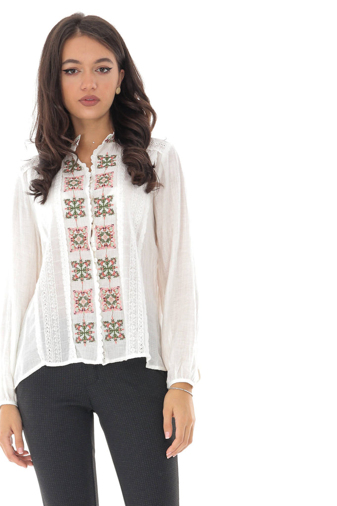 White top, with traditional multicolored embroidery, Aimelia - BR2197