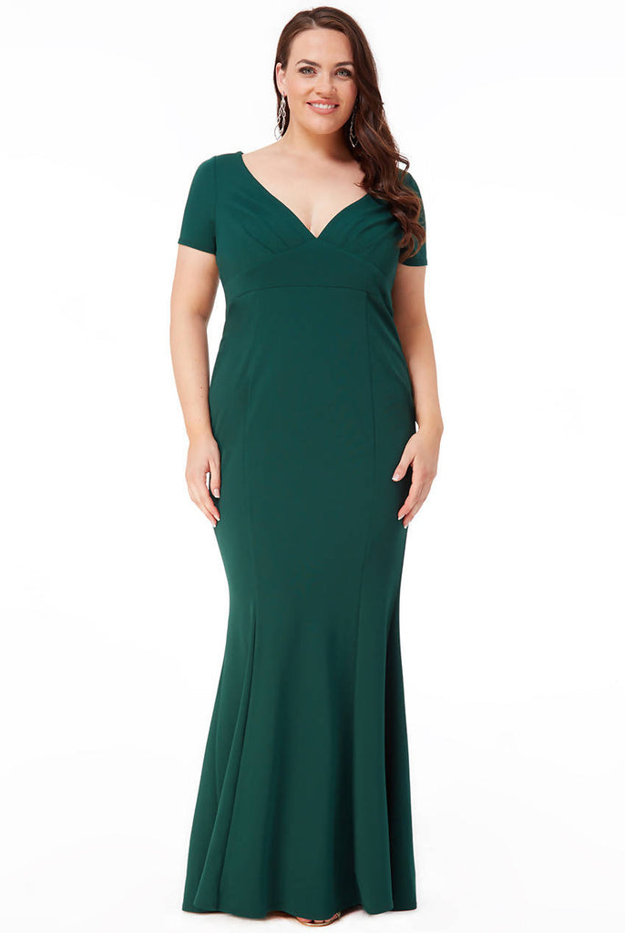 PLUS SIZE SWEETHEART NECK MAXI DRESS