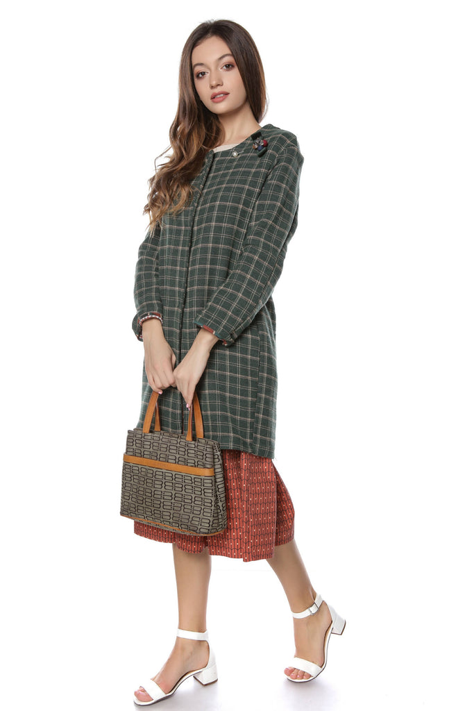 Checked wool coat with a jewelled brooch, Aimelia - JR435