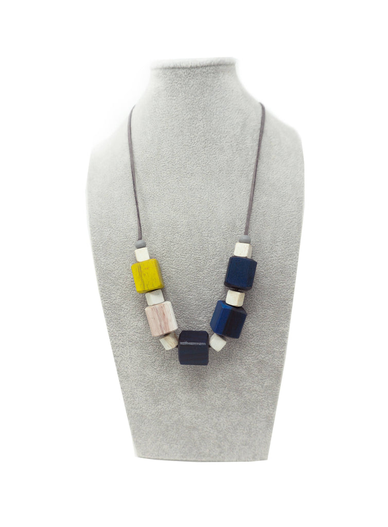AN53N NECKLACE YELLOW CUBE MIX