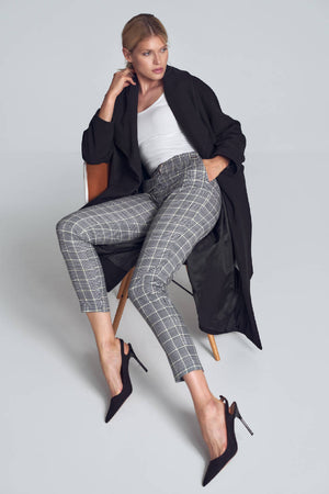 Classic long trousers with in a houndstooth