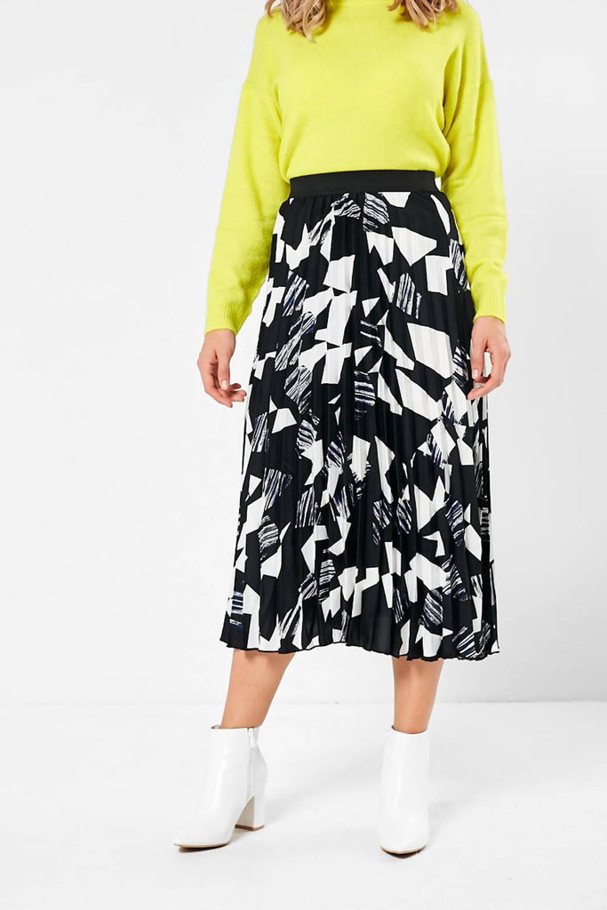 Printed Pleated Skirt In Black