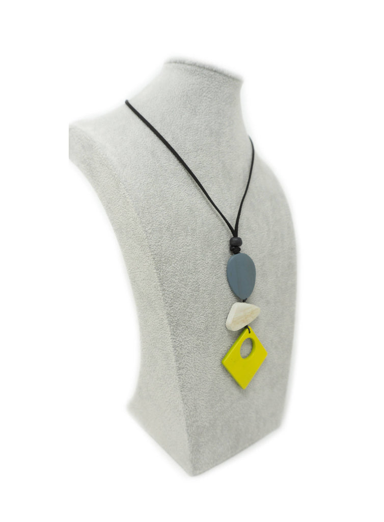 TAR84N NECKLACE YELLOW SQUARE HOLE