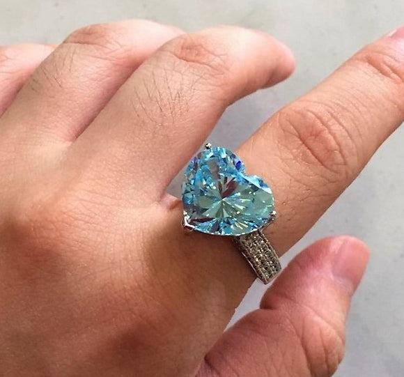 Blue Topaz Heartshape Ring