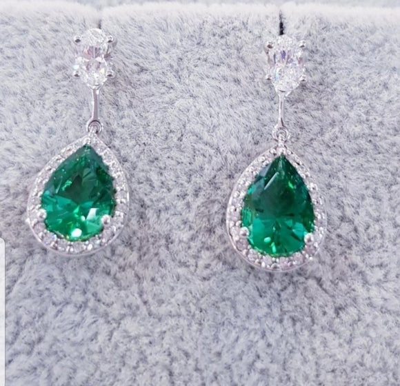 Emerald Dangling Earring