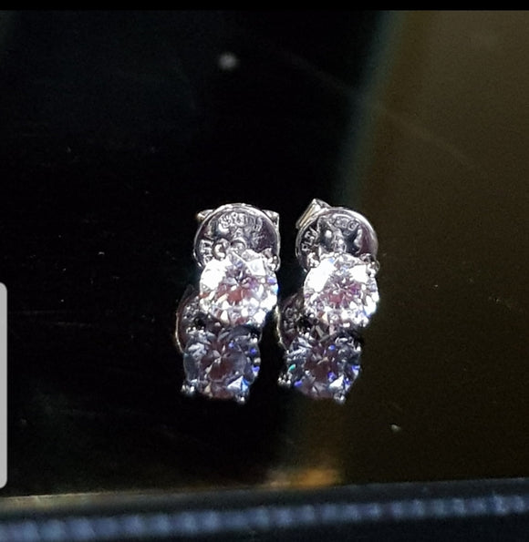Solitaire 0.35 Carats Studs