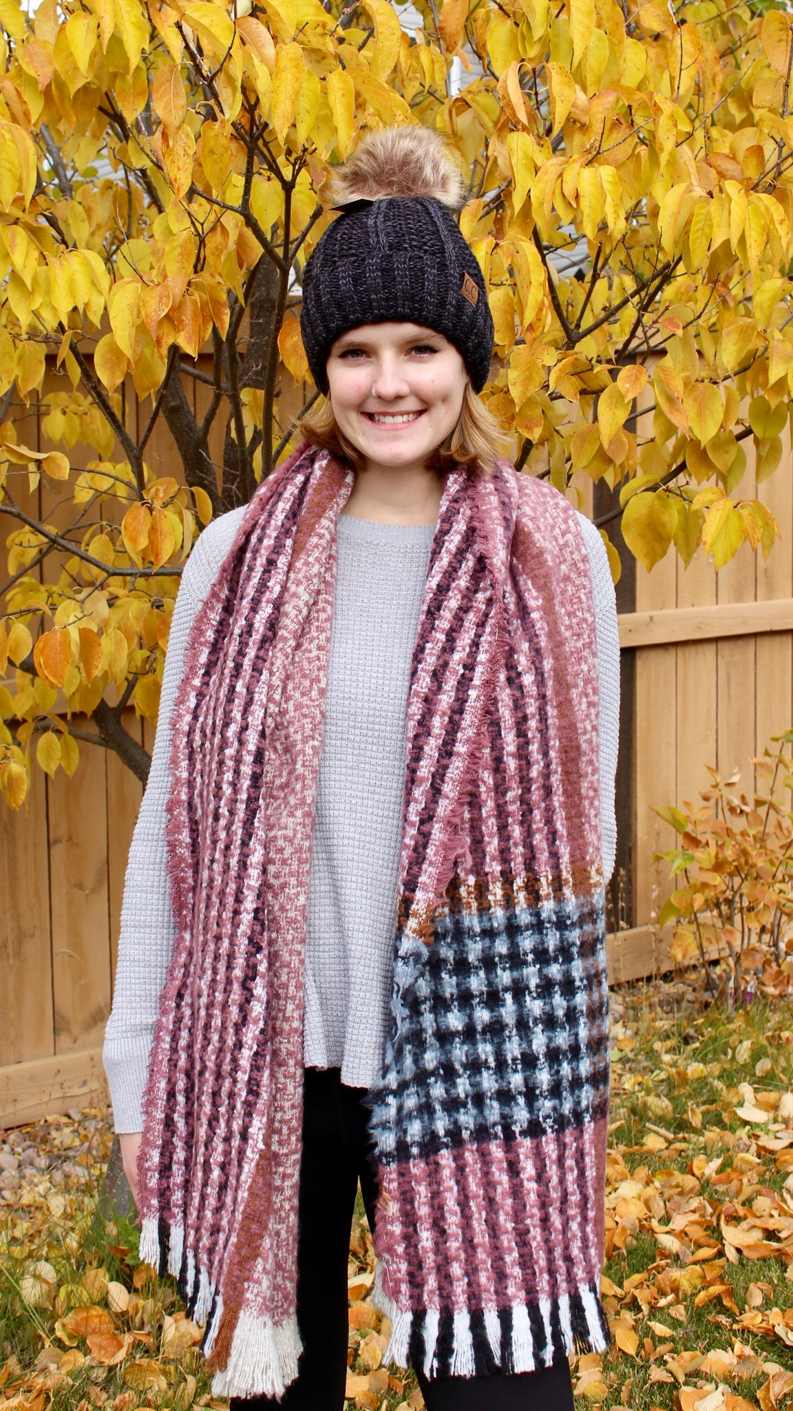 houndstooth print scarf | pink, black, white | bloom boutique