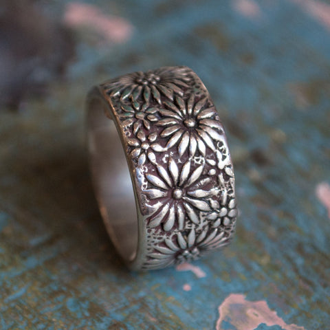 Silver band, wide silver band, unisex band, floral silver ring, silver flowers band, wedding band, wide silver ring - A little kiss R2077