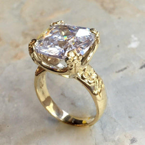 10k Solid gold clear quartz ring