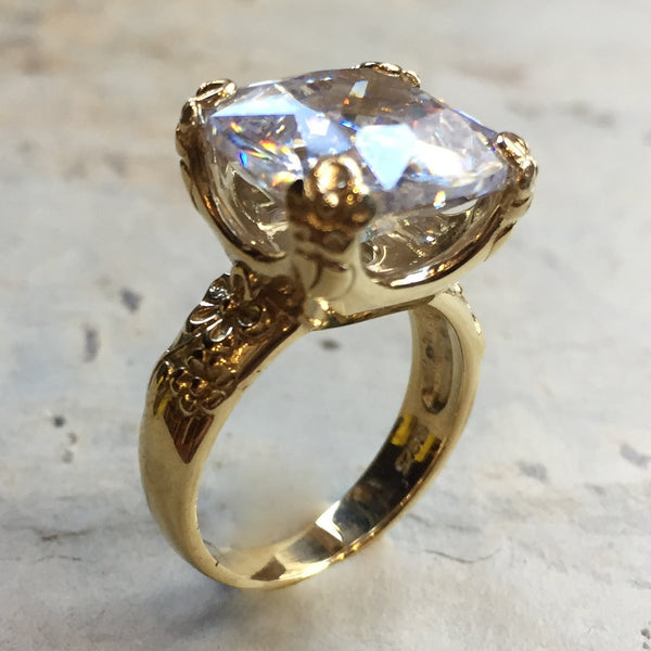 yellow gold quartz cocktail floral ring