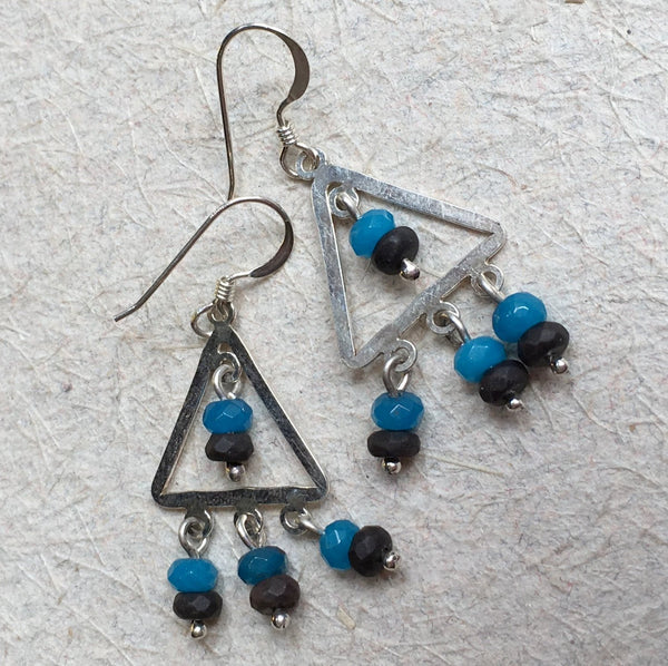 Onyx chalcedony earrings, stone Casual earrings, triangle earrings, simple dangle earrings, drop earrings, long earrings - Arrowhead E8048