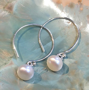 Pearl Earrings, drop earrings, Sterling silver bridal Hoop Earrings, bridesmaids Dangle pearl Earrings, dainty earrings, thin Hoops - E8077