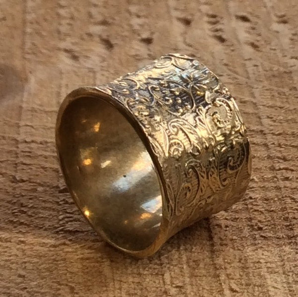Brass band, vine ring, unisex band, gold tone ring, wide ring, botanical band, floral ring, lace band, nature band - Golden Velvet RK1209
