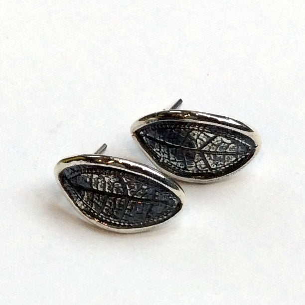 Leaf earrings, Woodland stud earrings, botanical earrings, sterling silver earrings, leaf studs, nature earrings, simple - Skyfall E8029