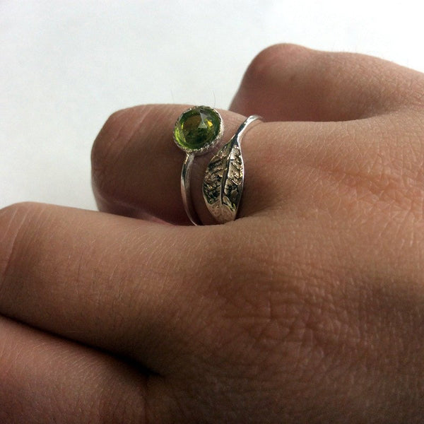 Twig ring, leaf ring, peridot ring, gemstone ring, silver ring, branch ring, nature ring, dainty ring, toe ring - Gone with the wind R2062-2