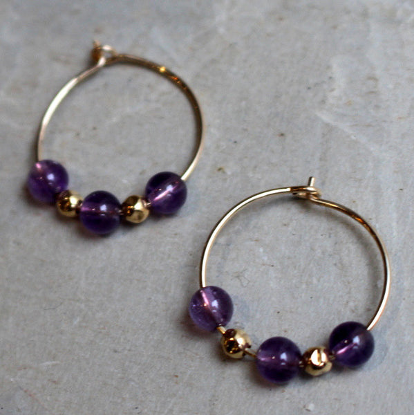 Gold filled earrings, black stone earrings, small hoop earrings, black beads earrings, onyx earrings, hoop earrings - Drama queen E8008