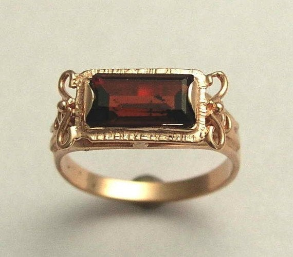 garnet rose gold ring