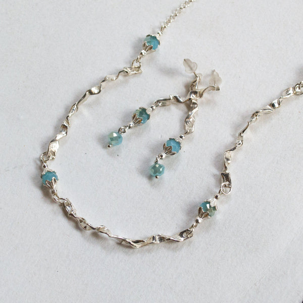 Chalcedony silver bar necklace