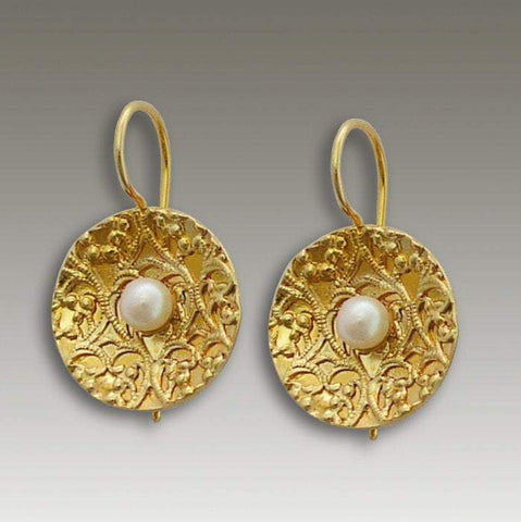 14k yellow gold filigree Disc pearl earrings