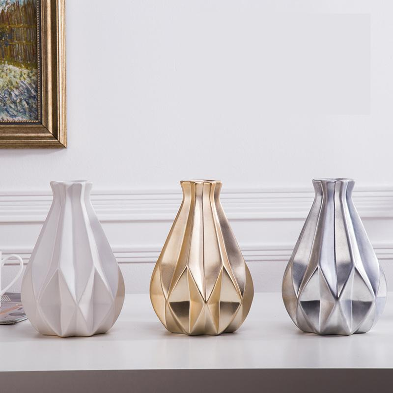 Beveld - Medium Ceramic Vase