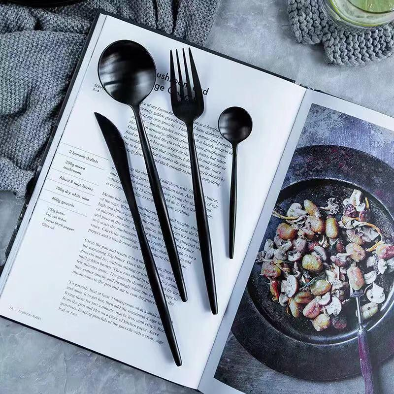Beveld - Black Minimalist Kitchen Cutlery Set