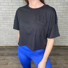 Load image into Gallery viewer, Cropped pocket tee *2 colors