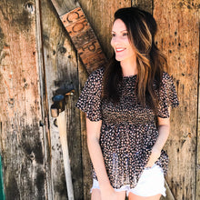 Load image into Gallery viewer, Lurex leopard print smocked top